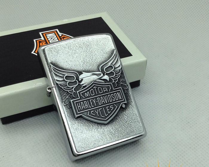 Bật lửa Zippo Mỹ màu trắng bóng khắc Logo Harley Davidson - 0988 00 11 31