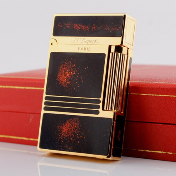 Bật lửa S.T.Dupont sơn mài đen viền vàng nhũ đỏ - 0988 00 11 31
