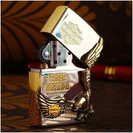 Bật lửa Zippo Mỹ màu trắng bóng hình chim đại bàng vàng - Mã SP: Z127