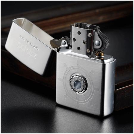 Bật lửa Zippo Mỹ màu trắng bạc đính đá xanh dương - Mã SP: Z119