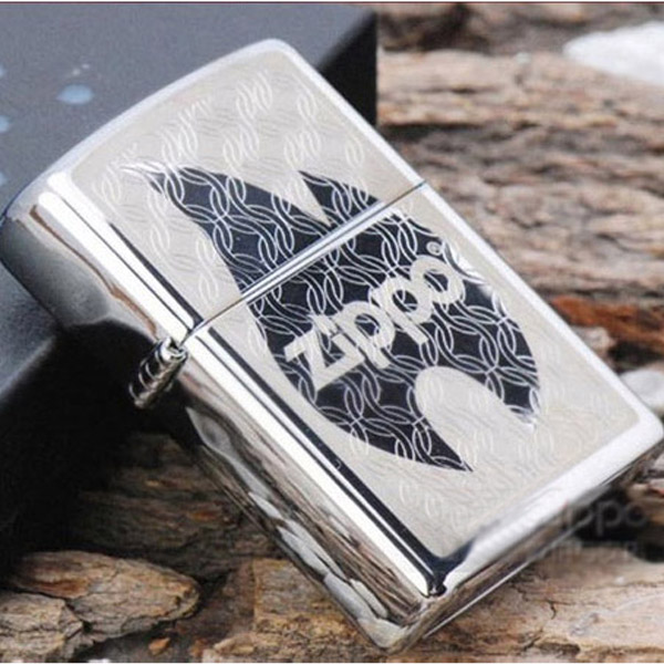 Bật lửa Zippo Mỹ in hình ngọn lửa khắc chữ Zippo - 0988 00 11 31