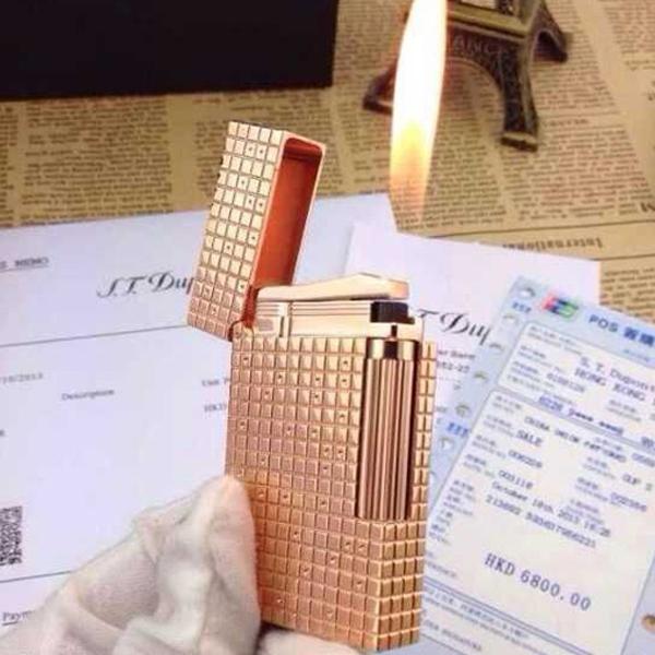 Bật lửa S.T.Dupont vàng đồng caro chấm nhỏ - 0988 00 11 31
