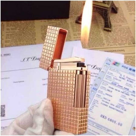 Bật lửa S.T.Dupont vàng đồng caro chấm nhỏ - Mã SP: BLD027