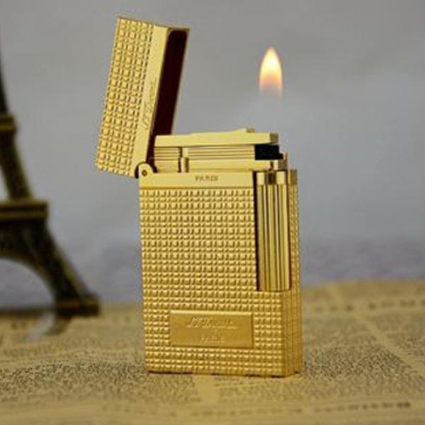 Bật lửa S.T.Dupont màu vàng kẻ caro khắc chữ S.T.Dupont - 0988 00 11 31