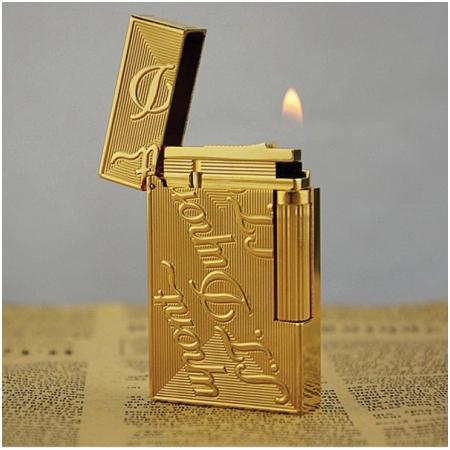 Bật lửa S.T.Dupont màu vàng khắc chữ S.T.Dupont - Mã SP: BLD043