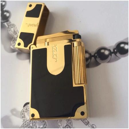 Bật lửa S.T.Dupont sơn mài đen viền vàng khắc chữ s.t.dupont - Mã SP: BLD170