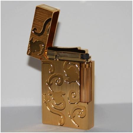 Bật lửa S.T.Dupont vàng xước hoa văn hoa lá - Mã SP: BLD178