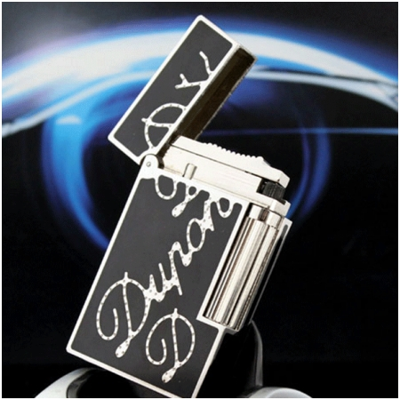 Bật lửa S.T.Dupont sơn mài đen viền trắng khắc chữ dupont chéo - Mã SP: BLD180