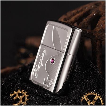 Bật lửa Zippo Mỹ màu trắng bóng Playboy Crystal Eye - Mã SP: Z011