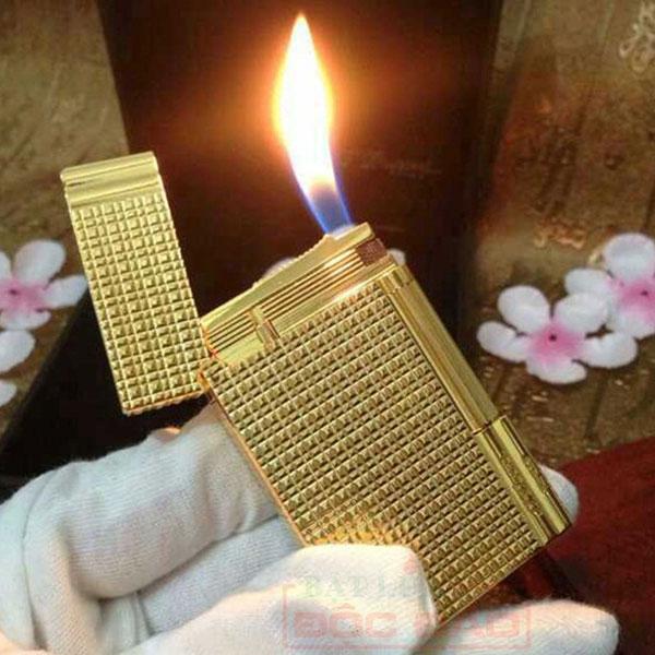 Bật lửa S.T.Dupont màu vàng kẻ caro nhỏ - 0988 00 11 31
