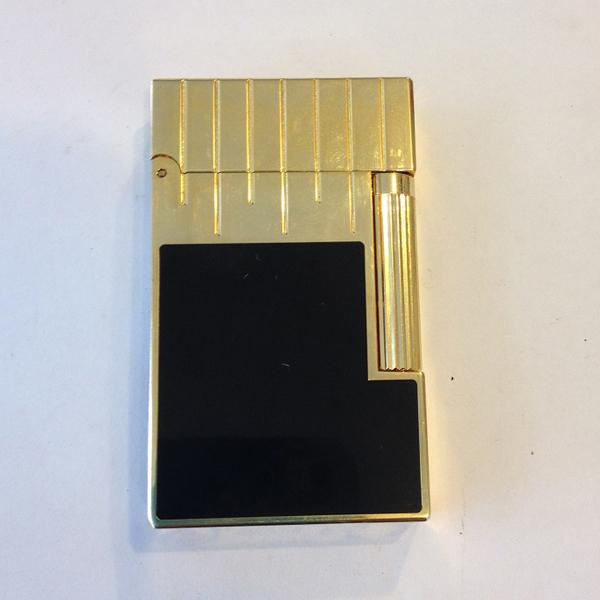 Bật lửa S.T.Dupont sơn mài đen viền và nắp vàng - 0988 00 11 31
