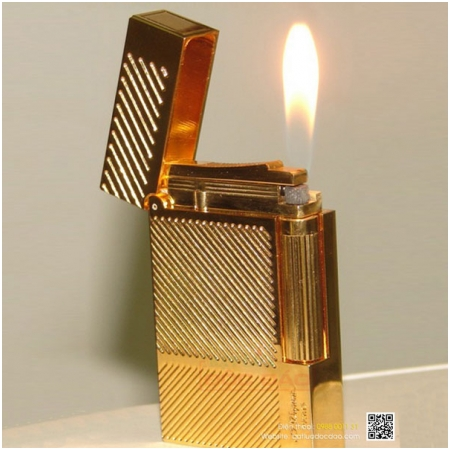 Bật lửa S.T.Dupont màu vàng sọc chéo - Mã SP: BLD142