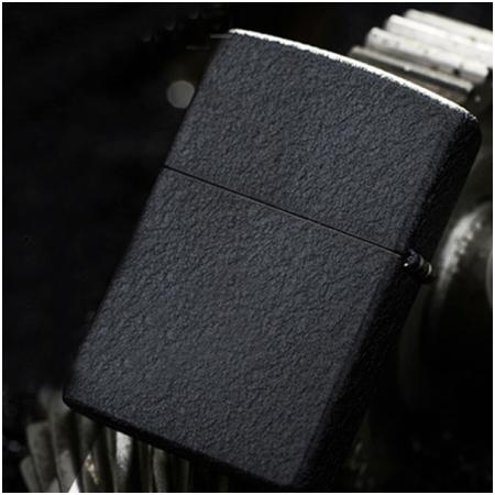 Bật lửa Zippo Mỹ màu đen sơn mài - Mã SP: Z093