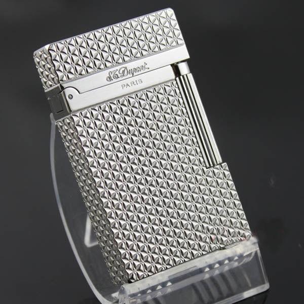 Bật lửa S.T.Dupont màu trắng bạc khắc hoa nhỏ - 0988 00 11 31
