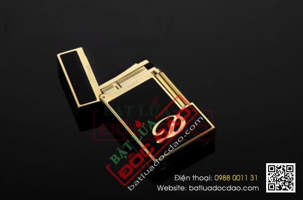 Bật lửa S.T.Dupont màu đen viền vàng khắc chữ D - Mã SP: BLD 045