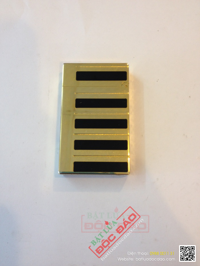 Bật lửa S.T.Dupont sơn mài đen xen kẽ vàng  - Mã SP: BLD087