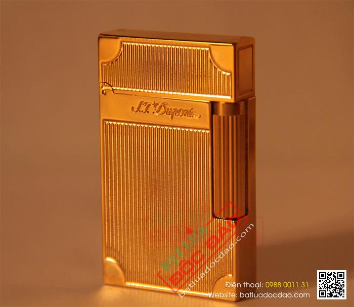 Bật lửa S.T.Dupont màu vàng sọc đứng vát góc - Mã SP: BLD104