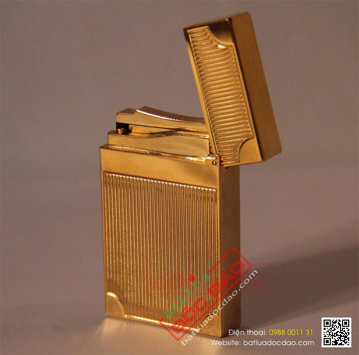 Bật lửa S.T.Dupont Màu Vàng Sọc Đứng Vắt Góc - Mã SP: BLD 104