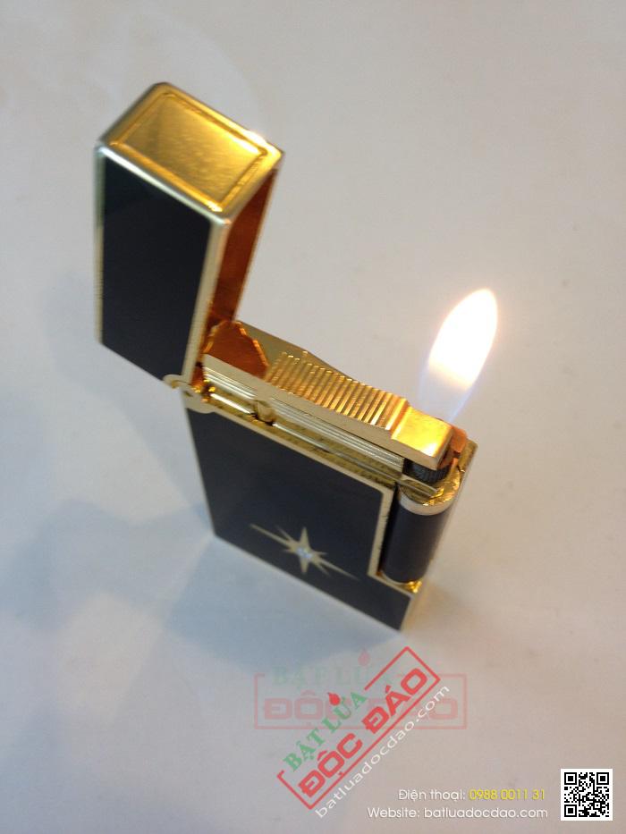 Bật lửa S.T.Dupont sơn mài đen viền vàng họa tiết đính đá - Mã SP: BLD124