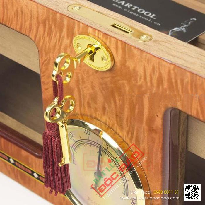 Hộp giữ ẩm Cigar Cohiba loại 80 điếu bằng gỗ tuyết tùng cao cấp- Mã SP: H612