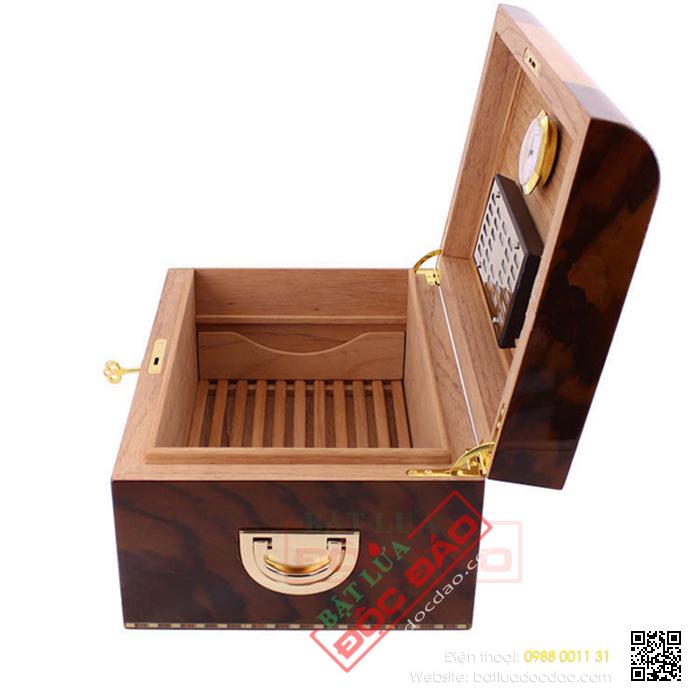 Chuyen ban hop giu am xi ga Cigar Cohiba RAG 912 cao cap